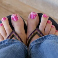 Fabulous Feet Friday (Flower Power toes)